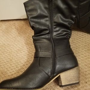 Black boots. Size 10. Never worn.